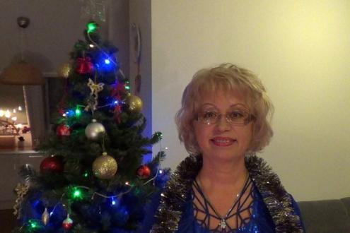 Новогоднее видео-поздравление и пожелания всем одиноким женщинам из заснеженной Германии от Марины Майер и немецкого Деда Мороза!
